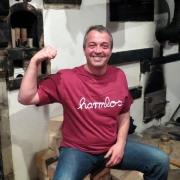 """T-Shirt Götz Widmann """"harmlos"""" bordeaux"""